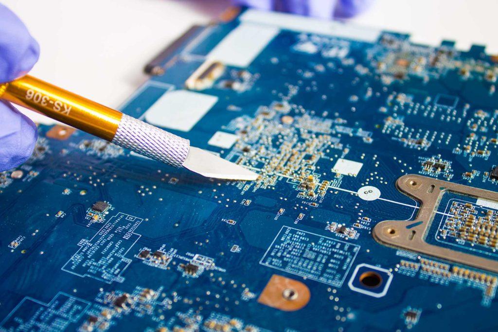 Réparation micro soudure carte mere iphone_imac ipad_pod macbook chez Mobile3 Oups