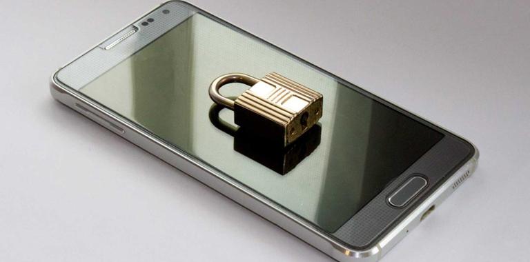 Déblocage de téléphone cellulaire et appareil mobile
